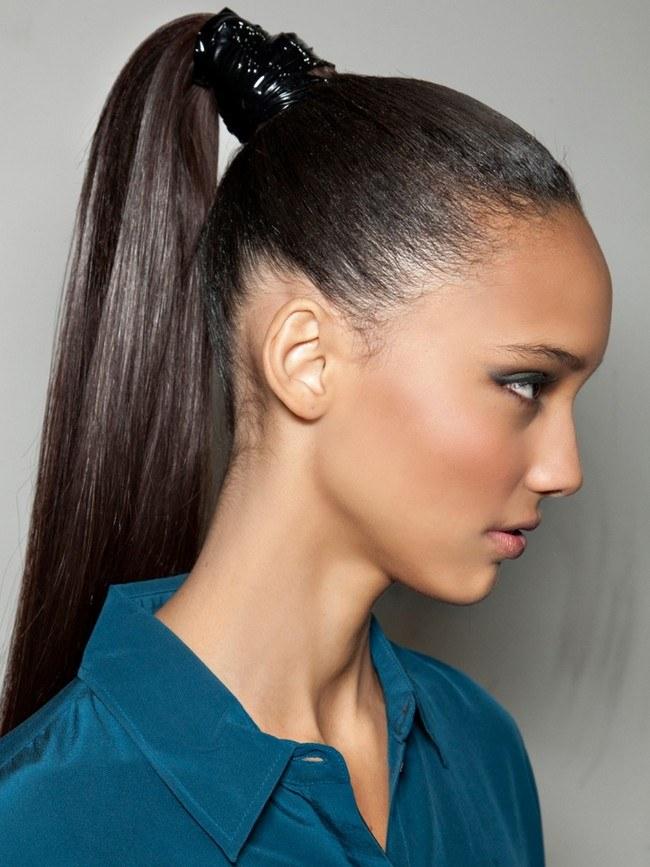 Модная прическа 2019 женская на длинные волосы