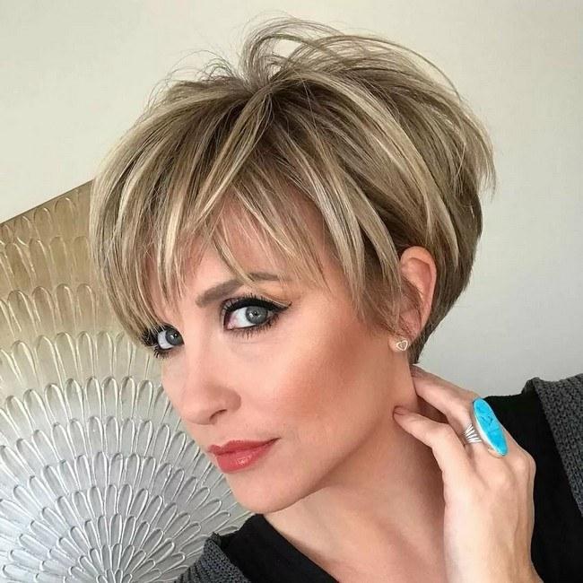 Стрижка на короткие волосы 2021 модные тренды после 40