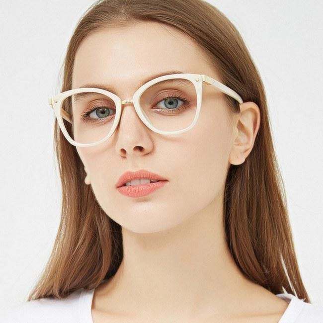 Модные оправы очков 2021 для зрения женские