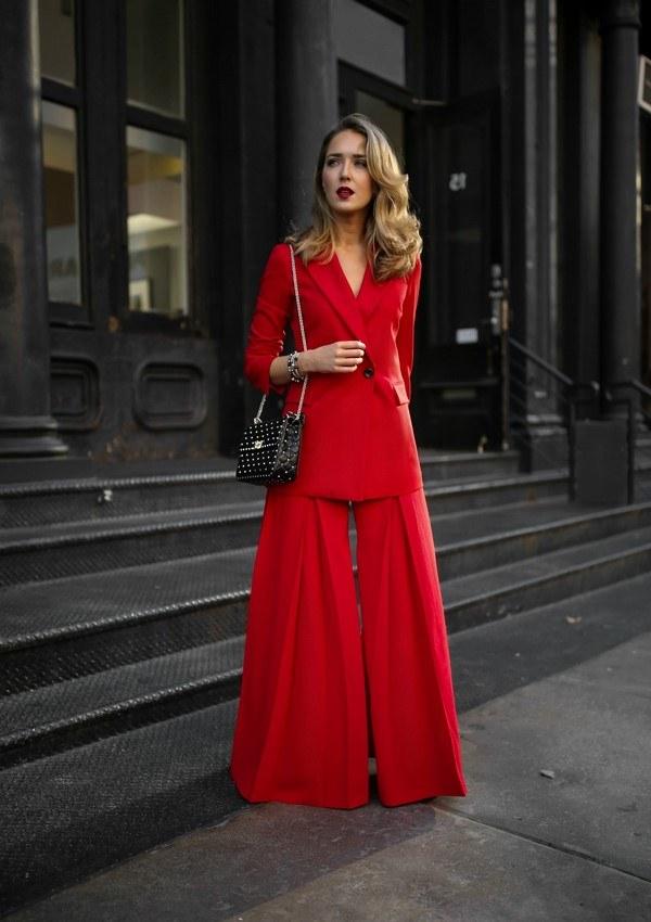Модные брючные костюмы для женщин 2021