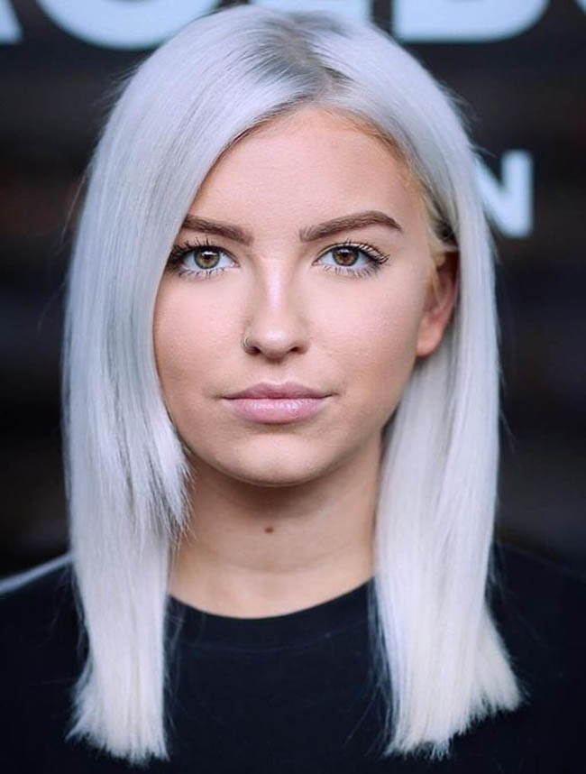 Модные стрижки 2021 женские на средние волосы для круглого лица фото