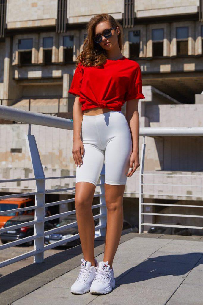 Спорт-шик стиль в одежде для женщин 2021