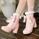 Женская обувь с мехом осень зима 2021-2022 тренды