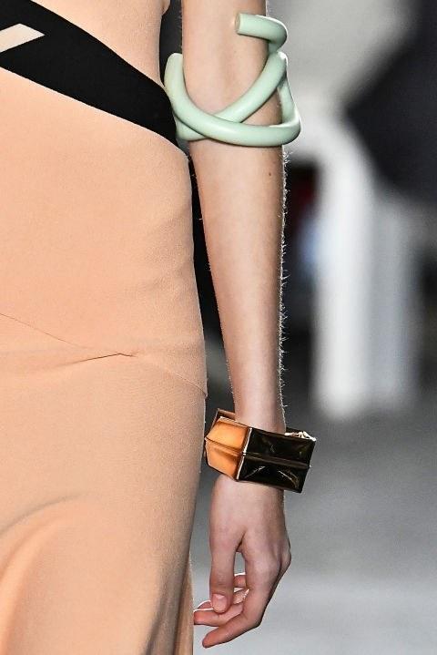 Мода осень зима 2021 2022 аксессуары
